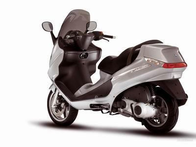Piaggio X8 250 technical specifications